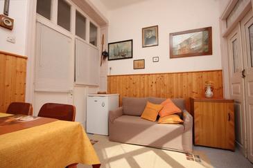 Sali, Obývací pokoj v ubytování typu apartment, domácí mazlíčci povoleni a WiFi.
