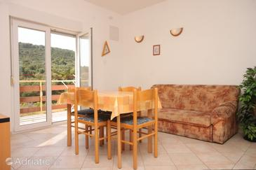 Božava, Dining room in the apartment, (pet friendly) and WiFi.