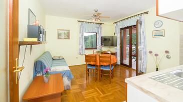 Božava, Obývací pokoj v ubytování typu apartment, domácí mazlíčci povoleni a WiFi.
