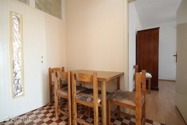 Savar, Столовая в размещении типа apartment, WiFi.
