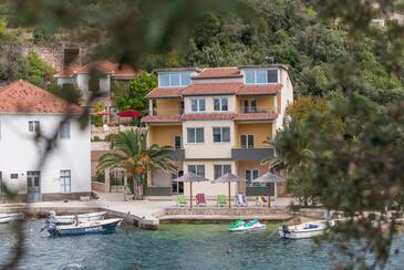 Savar, Dugi otok, Property 8128 - Apartments near sea with pebble beach.