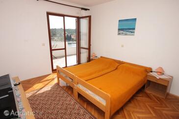 Luka, Bedroom in the room, WIFI.