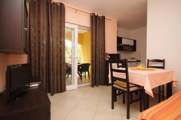 Sali, Jedilnica v nastanitvi vrste apartment, dostopna klima in WiFi.