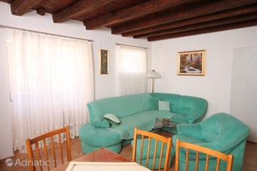 Sali, Living room in the house, (pet friendly).