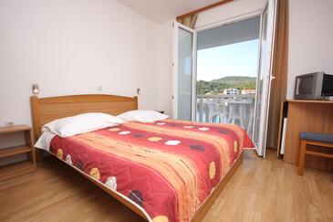 Zaglav, Sypialnia w zakwaterowaniu typu room, Dostępna klimatyzacja i WiFi.