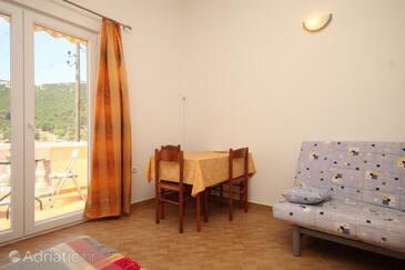 Luka, Dining room in the studio-apartment, dopusteni kucni ljubimci.