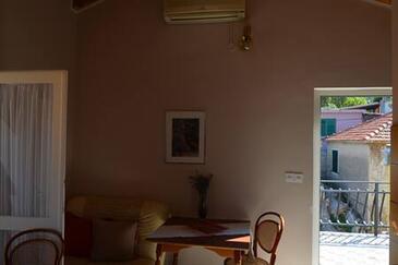 Tisno, Столовая в размещении типа apartment, доступный кондиционер, Домашние животные допускаются и WiFi.