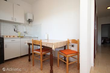 Luka, Dining room in the apartment, air condition available, (pet friendly) and WiFi.