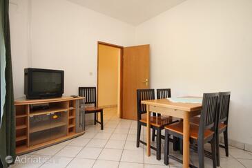 Sali, Blagovaonica u smještaju tipa apartment, dostupna klima, kućni ljubimci dozvoljeni i WiFi.