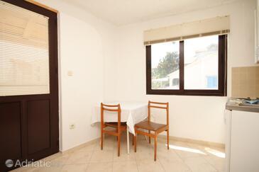 Sali, Столовая в размещении типа studio-apartment, Домашние животные допускаются и WiFi.