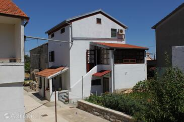 Preko, Ugljan, Property 8179 - Apartments with pebble beach.