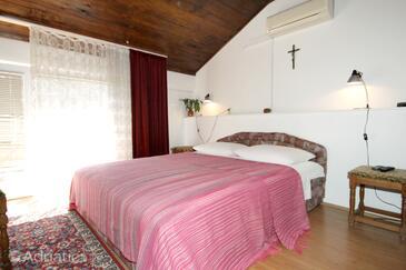 Preko, Bedroom in the room, dostupna klima i WIFI.