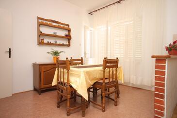 Sali, Salle à manger dans l'hébergement en type apartment, WiFi.