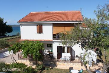 Dobropoljana, Pašman, Property 8200 - Apartments by the sea.