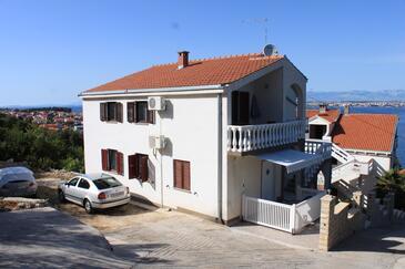 Kali, Ugljan, Objekt 8202 – Apartmaji v bližini morja.