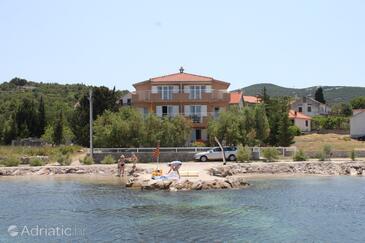 Banj, Pašman, Objekt 8206 - Ubytování v blízkosti moře s oblázkovou pláží.