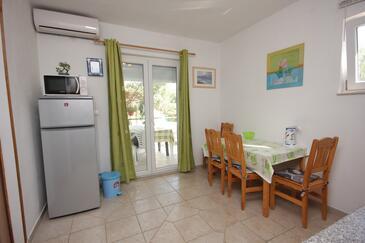 Kraj, Jídelna v ubytování typu apartment, s klimatizací a WiFi.