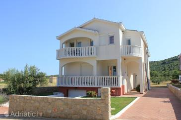 Pašman, Pašman, Property 8215 - Apartments near sea with sandy beach.