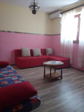 Tkon, Гостиная в размещении типа apartment, доступный кондиционер и WiFi.