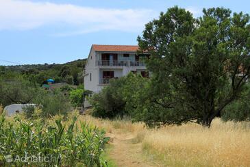Tkon, Pašman, Property 8218 - Apartments near sea with pebble beach.