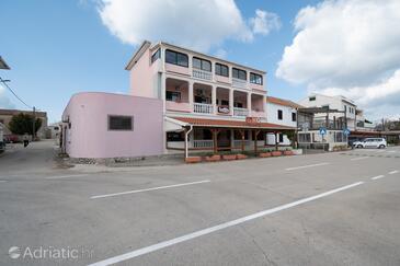 Pašman, Pašman, Property 8221 - Apartments by the sea.