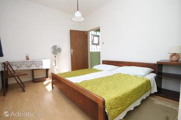 Pašman, Bedroom in the room, dopusteni kucni ljubimci i WIFI.