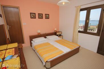Pašman, Спальня в размещении типа room, доступный кондиционер, Домашние животные допускаются и WiFi.