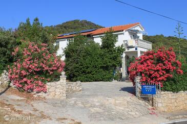 Preko, Ugljan, Property 8224 - Apartments with sandy beach.
