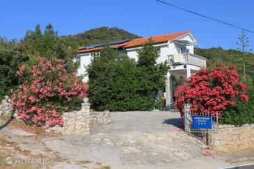 Preko, Ugljan, Property 8224 - Apartments with sandy beach.