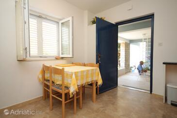 Preko, Dining room in the apartment, dostupna klima, dopusteni kucni ljubimci i WIFI.