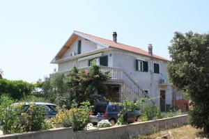 Apartmány s parkovištěm Guduće (Ugljan) - 8240