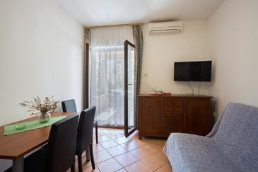 Ugljan, Столовая в размещении типа apartment, доступный кондиционер и WiFi.