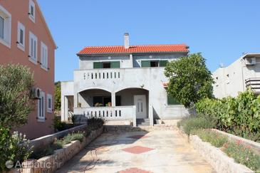 Banj, Pašman, Property 8242 - Apartments by the sea.