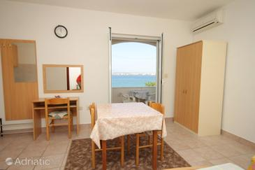 Poljana, Dining room in the studio-apartment, WIFI.