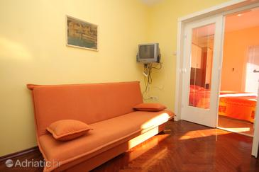 Kukljica, Living room in the apartment, (pet friendly) and WiFi.