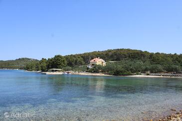 Kunčabok, Ugljan, Property 8255 - Apartments by the sea.