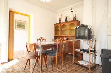 Ugljan, Dining room in the apartment, (pet friendly) and WiFi.