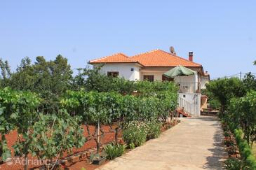 Ugljan, Ugljan, Property 8257 - Apartments near sea with pebble beach.