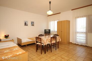 Kukljica, Dining room in the apartment, (pet friendly).
