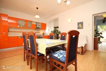 Ugljan, Jídelna v ubytování typu apartment, WiFi.