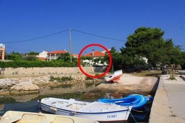 Ugljan, Ugljan, Objekt 8266 - Ubytování v blízkosti moře s oblázkovou pláží.