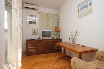 Preko, Obývací pokoj v ubytování typu apartment, s klimatizací a domácí mazlíčci povoleni.