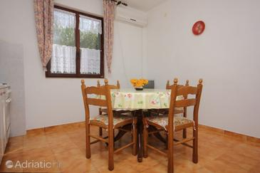 Mala Lamjana, Dining room in the apartment, air condition available and WiFi.