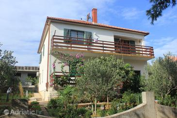 Mala Lamjana, Ugljan, Property 827 - Apartments near sea with pebble beach.