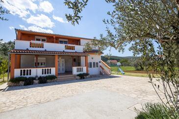 Pašman, Pašman, Объект 8274 - Апартаменты вблизи моря с песчаным пляжем.