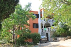 Апартаменты с парковкой Угльян - Ugljan - 8276