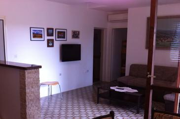 Ždrelac, Sala de estar in the apartment, air condition available, (pet friendly) y WiFi.