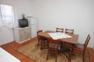 Ždrelac, Jídelna v ubytování typu apartment, WIFI.