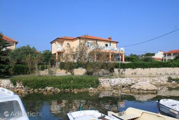 Ugljan, Ugljan, Property 829 - Apartments near sea with pebble beach.
