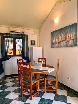 Kukljica, Столовая в размещении типа apartment, доступный кондиционер и WiFi.